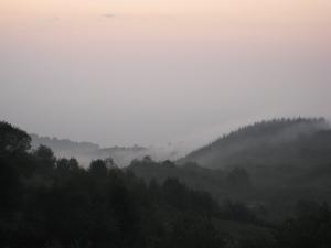 La niebla nocturna al salir del soplao.
