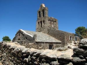 Iglesia y poblado de Santa Helena.